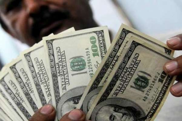 آئی ایم ایف سے رقم ملنے کے باوجودانٹر بنک میں ڈالر پھر101 روپے کا ہوگیا
