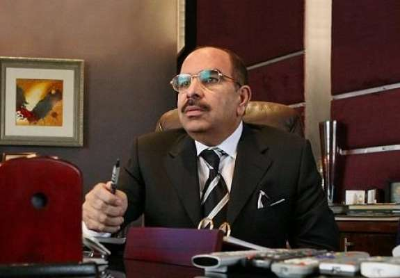 ٹمبر مارکیٹ آتشزدگی ، ملک ریاض کا 10 لاکھ روپے فی دکان دینے کا اعلان