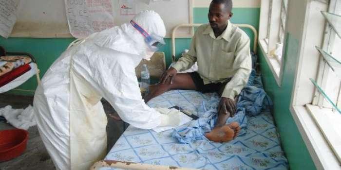لائبیریا میں ایبولا وائرس کا شدید پھیلاوٴ،آئندہ تین ہفتوں میں مزید ہزاروں نئے کیسز سامنے آنے کا خدشہ