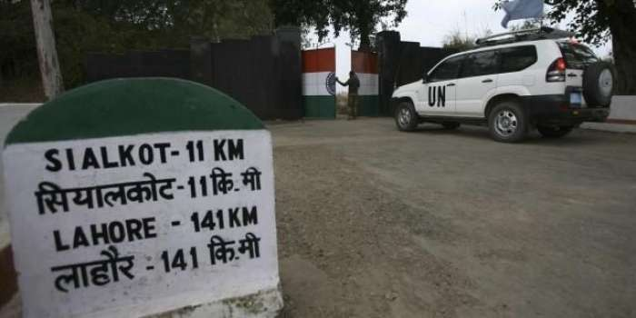 بھارت جانے والے مسافروں کیلئے پولیو سرٹیفکیٹ لازمی ہوگا' کوئی مسافر موبائل رومنگ سروس نہیں لے سکتا، ممبئی' دہلی اور چنائی جانیوالے بذریعہ جہاز جاسکتے ہیں،ایف آئی اے کی بھارت جانیوالے پاکستانیوں کیلئے ٹریول ایڈوائزری