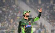 پاکستانی نوجوان بلے باز احمد شہزاد کی دوران میچ انوکھی حرکت