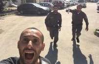 فلسطینی کے فرار کی ''سیلفی'' کی حقیقت کچھ اور! بھاگتے فلسطینی کا ..
