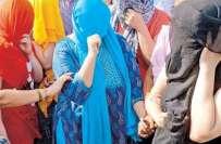 لاہور، قحبہ خانے پر چھاپہ3 دوشیزاوٴں سمیت سات افراد کو گرفتار
