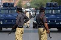 کراچی' مقابلے میں ہلاک نوجوان عام شہری نکلے، 5 اہلکار گرفتار