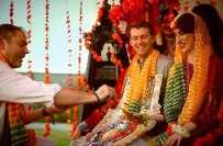 امریکی کونسل خانے میں امریکی جوڑے کی پاکستانی رسم و رواج کے مطابق شادی
