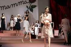 میلان فیشن ویک میں جدید ملبوسات کی نمائش، ماڈلز کی بچوں کے ساتھ ریمپ ..