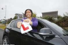 کیا کوئی اس عورت کو ڈرائیونگ سکھا سکتا ہے؟