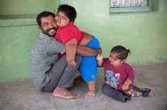 بچوں کی بھوک مٹانے کے لیے باپ انتہائی اقدام کی سوچنے لگا