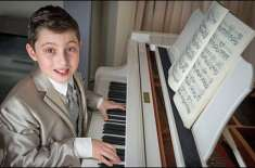 برطانیہ کا11سال کا طالبعلم پیانو بجانے میں ماہر،عالمی ریکارڈبنادیا