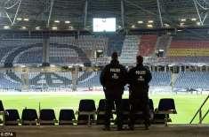 ہینوور ، جرمنی اور ہالیند کے دوستانہ فٹبال میچ سے قبل سٹیڈیم ہنگامی ..