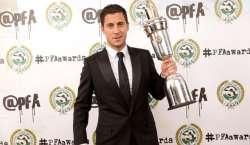 چیلسی کے کھلاڑی ایڈن ہیزارڈ انگلش پلیئرآف دی ایئر ایوارڈ لے اڑے