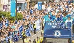 چیلسی کے مداحوں کا انگلش پریمیئر لیگ اورکیپٹل ون کپ جیتنے پر جشن