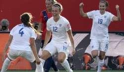 انگلینڈ اور امریکہ کی ٹیمیں فیفا ویمنز ورلڈ کپ کے کوارٹر فائنل میں ..