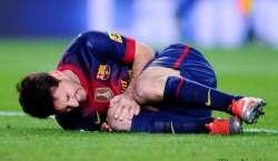 باسلونا کے فٹبال سٹار لیونل میسی گھٹنے کی چوٹ کے باعث سات سے آٹھ ہفتوں ..