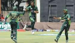 پاکستان نے تیسرے ایک روزہ میچ میں زمبابوے کو شکست دے کر سیریز اپنے نام ..
