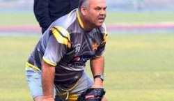 قومی ٹیم کے سابق کپتان انضمام الحق ، سابق کوچ ڈیوڈواٹمور جمعے کو شارجہ ..