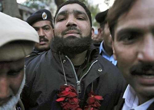 سلمان تاثیر قتل کیس ، ممتاز ..
