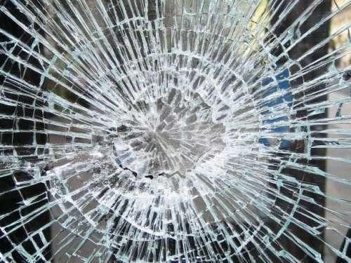 کراچی میں کار حادثہ، دو افراد ..