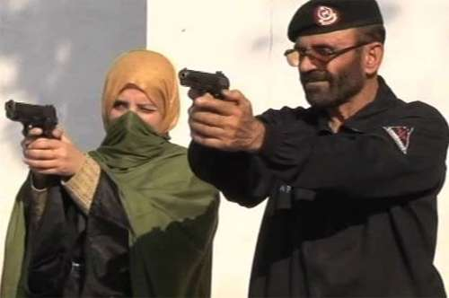 پشاور:خواتین اساتذہ اب تعلیم ..