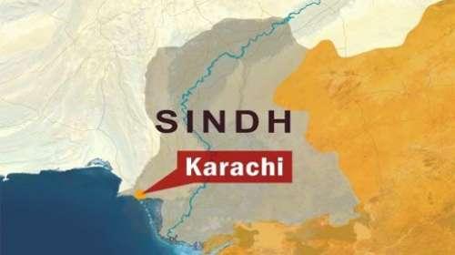کراچی:مختلف علاقوں میں پٹرول ..