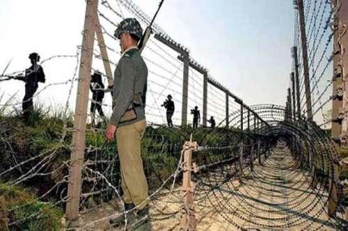 پاکستانی سرحد کے ساتھ بھارت ..