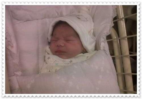 علی ظفر نے بیٹی کا نام علیزہ ..