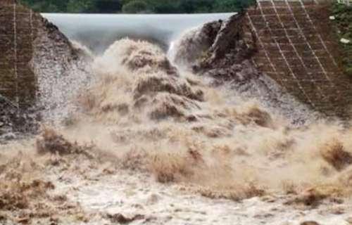 لاہور: دریائے راوی کا بند ٹوٹ ..