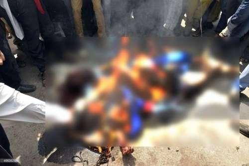 لاہور: مظاہرین کے ہاتھوں جلایا ..