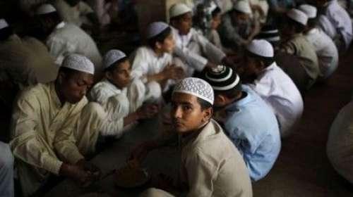وفاقی حکومت نے ویزا کی مدت پوری ..