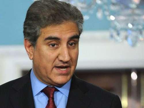 لاہور : وزیر دفاع کہتے ہیں فوج ..