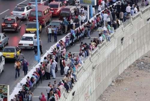 مصر، ایک ہی میز پر ہزاروںلوگوںکی ..