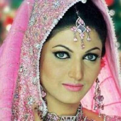 فلمسٹار ثناء نے کراچی کے ہسپتالوں ..
