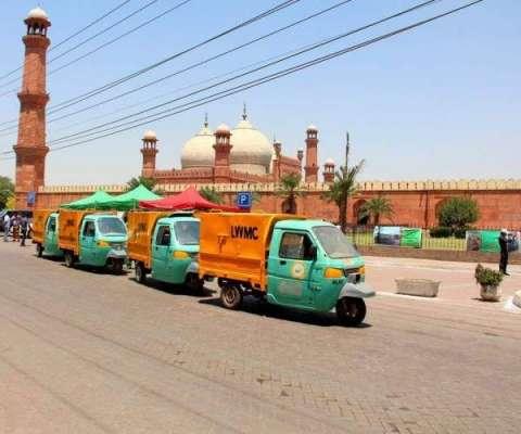 لاہور میں ایک اور انوکھی رکشہ ..