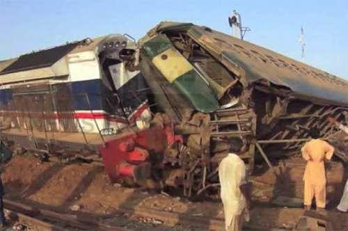 گوجرانولہ میں ٹرین حادثے میں ..