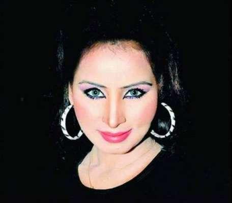 اداکارہ نگار چوہدری نے اداکاری ..