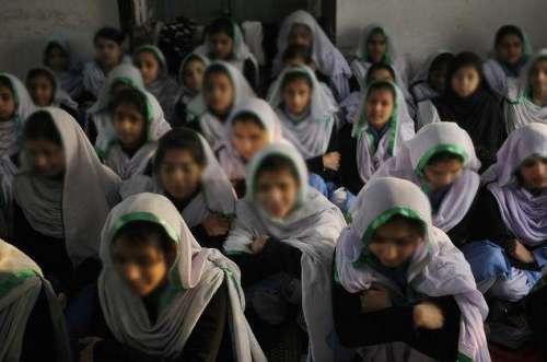 عمرکوٹ میں ایک سکول جہاں بچیاں ..