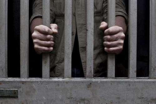 انتہائی معمولی جرمانے، جیلوں ..