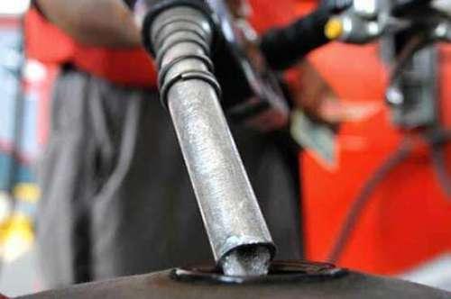 حکومت کا پٹرول کی قیمتیں برقرار ..