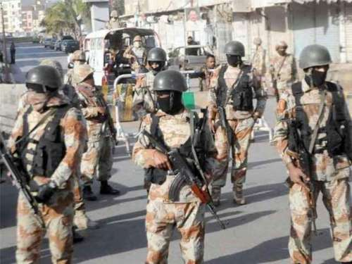 کراچی : ایم اے جناح روڈ پر ملٹری ..