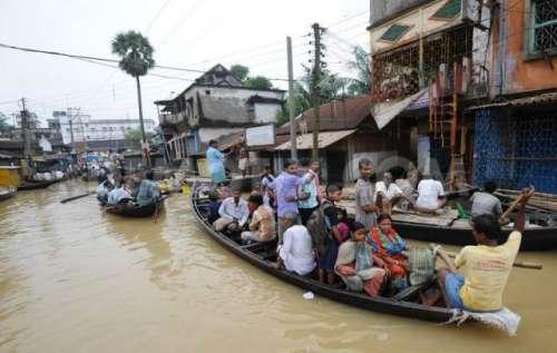 بھارتی شہر چنائی میں شدید بارشوں ..