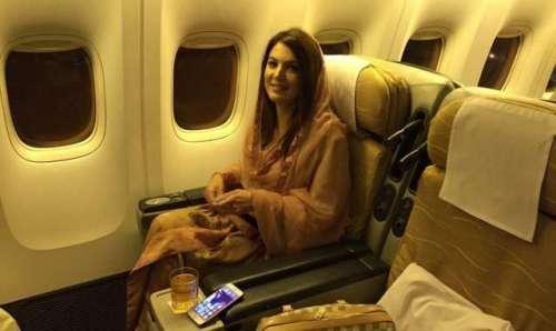 لاہور : ریحام خان پاکستان پہنچ ..