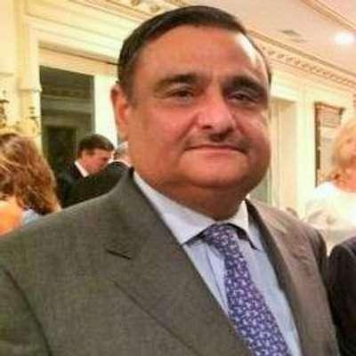 کراچی : ڈاکٹر عاصم حسین گورنر ..