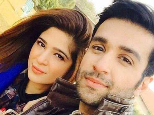اداکارہ عائشہ عمر کراچی سے حیدر ..