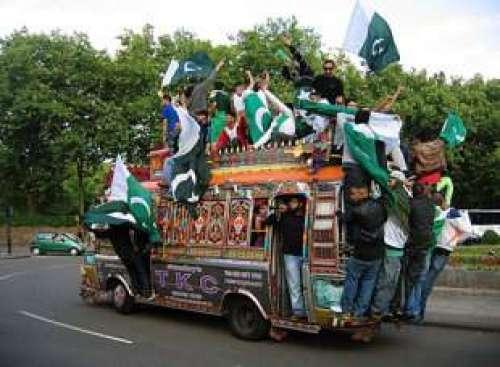 برطانیہ سے پاکستانیوں کی جانب ..