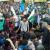 مقبوضہ کشمیر میں مظاہرین نے پاکستانی پرچم لہرادیا