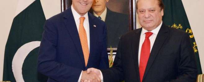 امریکی وزیر خارجہ جان کیری کی وزیراعظم محمد نواز شریف سے ون آن ون ملاقات، ..
