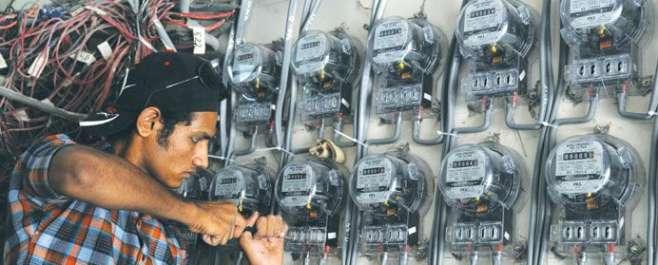 حکومت نے عوام پرایک اوربجلی بم گرادیا ، بجلی صارفین پر30 پیسے فی یونٹ ..