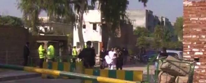 پشاور، حیات آباد میں امامیہ مسجد اور امام بارگاہ میں خودکش دھماکے اور ..