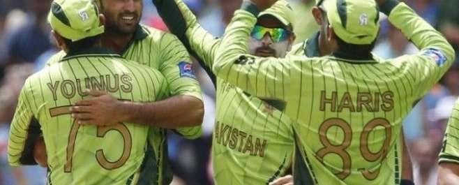 ورلڈ کپ 2015ء، بھارت کا پاکستان کو جیت کے لیے 301رنز کا ہدف
