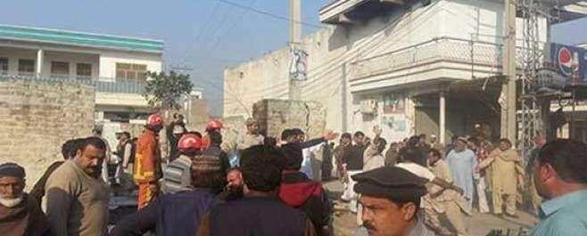 مردان میں نادرا آفس کے قریب دھماکے میں 18افراد جاں بحق ، متعدد زخمی